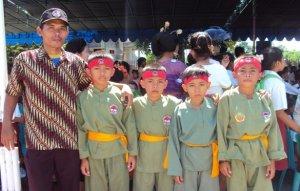 Pesilat Asad Cilik Sumbawa didampingi Ketua Persinas Asad Sumbawa