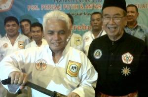 Hatta Rajasa diangkat sbg Dewan Pendekar Nasional