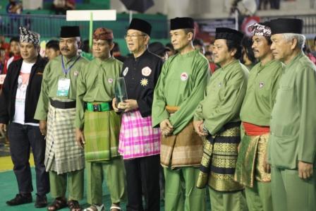 Foto Bersama Pengurus Persilat, Pengurus IPSI Jabar, Ketua Panitia dan Pengurus Persinas-Asad
