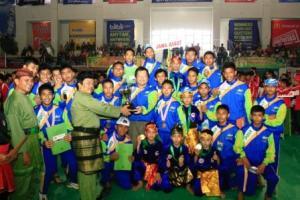 Kontingen Persinas Asad Jawa-Barat Juara II bersama Sekum Persinas Asad Ir.H.Teddy Suratmadji, M.Sc