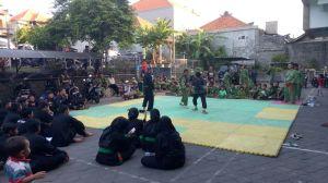 Atlet Silat Persinas Asad Bali vs Pagar Nusa dalasm latih tanding. Semoga terus terjalin silaturrohim